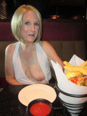 Tiany granny adult dating in Lebanon, OH